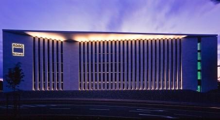 Fasády a průhledné střešní konstrukce